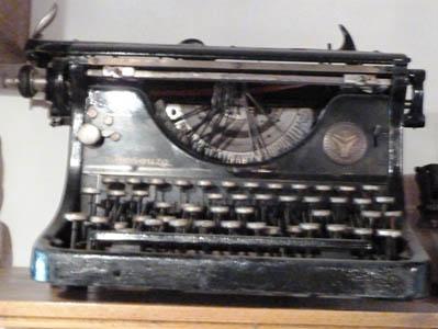 La machine à écrire des Ets Josse